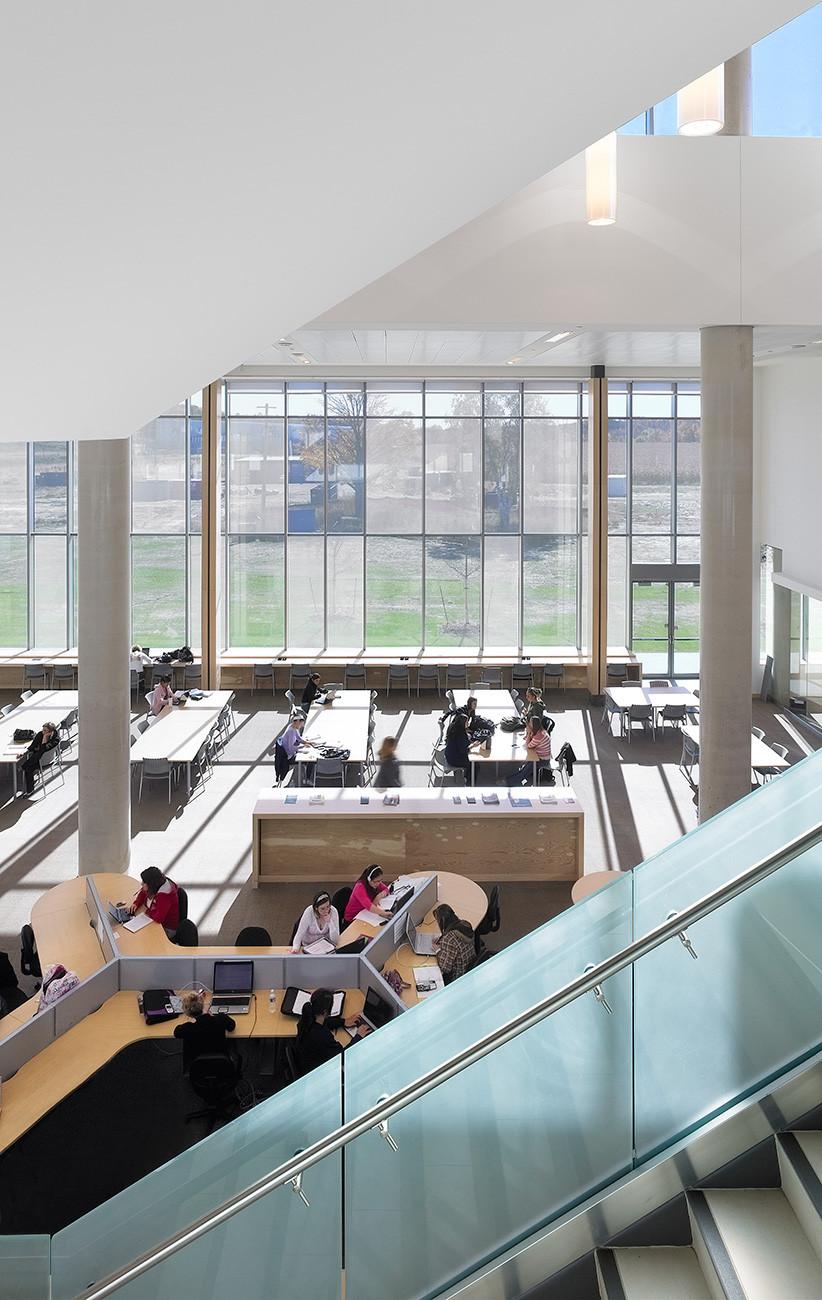 Academic Building Lakehead University Moriyama